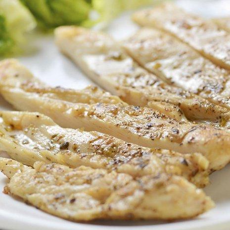 kip schnitzel voorgegaard - per stuk