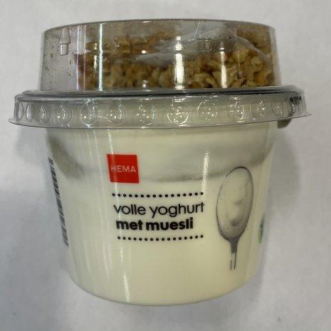 Volle yoghurt met muesli